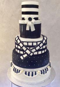 Torta classica anni 30 a tema cinema - Wedding cake - torta nuziale - prodotta da Gufo Bianco Cake Design Carmagnola Torino