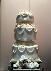 Torta classica bianca con decorazioni a catenella - Wedding cake - torta nuziale - prodotta da Gufo Bianco Cake Design Carmagnola Torino