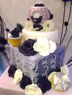 Torta ispirata a Cenerentola con carrozza - Wedding cake - torta nuziale - prodotta da Gufo Bianco Cake Design Carmagnola Torino