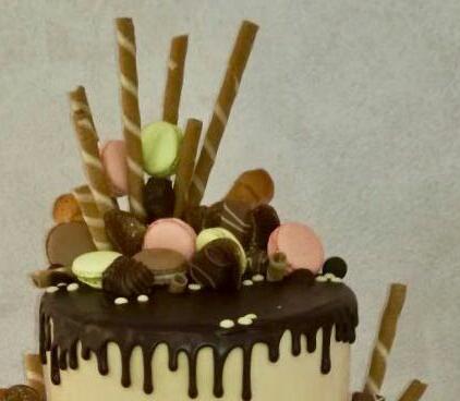 Wedding Drip cake - dettagli